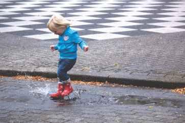 water jumping photographer beauty